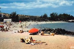 La Réunion - SAINT-GILLES-les-BAINS - La Plage Des Roches Noires - La Réunion