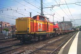 Toulouse (31 - France) Juillet 2007 Une BB V200 Aux Couleurs De La Société Seco-Rail En Tete D'un Train De Travaux - Trenes