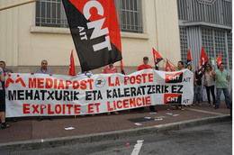 - 64 - Bayonne (64) - Carte Postale Moderne - Jamais Diffusée - Manifestant - Bayonne