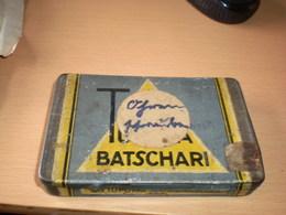 Old Tin Box 25 Tupuma Batschari Cigaretten - Boites à Tabac Vides