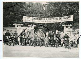 PHOTO ANIMÉE. Concentration Motocycliste Internationale Organisée Par Moto-club Du BAS VIVARAIS. 1 ET 2 JUIN - Cars