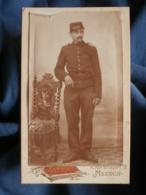 CDV Photo Demangeat à Meudon - Pompier En Pied, épaulettes Cotte De Mailles Vers 1900 L432 - Photos