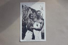 CPA AFRIQUE  MISSON D AFRIQUE SOEUR BLANCHES DU CARDINAL LAVIGERIE  JEUNE MERE ET SON FILS - Ruanda-Urundi