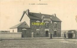 44 Ligné, La Gendarmerie, Gendarme Cycliste Devant Le Bâtiment, Belle Carte Pas Courante - Ligné