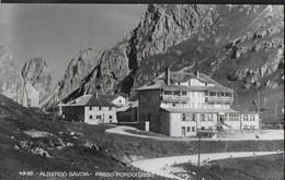 DOLOMITI - ALBERGO SAVOIA PASSO PORDOI - FORMATO PICCOLO - VIAGGIATA DA PASSO PORDOI 20.07.1951 FRANCOBOLLO ASPORTATO - Alpinisme