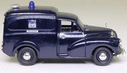 Morris Minor Van: Metropolitan Police Dog Section. - PKW & Vierräder