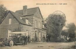 CPA 76 Seine Maritime Orival St Hellier Saint Café Lasnon Voiture Traction Cycliste - France