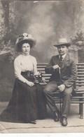 UKRAINE.  #1037  A PHOTO. LADY IN A HAT, A MAN WITH A CANE. BELT.  *** - Projecteurs De Films