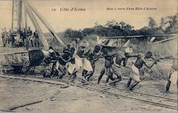 COSTA DE MARFIL ,  TARJETA POSTAL , NO CIRCULADA , MISE Á TERRE D'UNE BILLE D'ACAJOU - Costa De Marfil