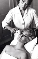 Personalite Actrice? Anglaise? Massage Facial Ancienne Photo Studio ABC 1960's? - Berühmtheiten