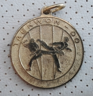 TAEKWON-DO Gold Medal  Medaille Medaglia Slovenia - Habillement, Souvenirs & Autres