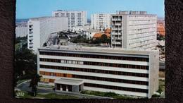 CPSM CLERMONT FERRAND 63 CAPITALE DE L AUVERGNE CITE UNIVERSITAIRE ET QUARTIER ST JACQUES GRANDE MURAILLE ED LA CIGOGNE - Clermont Ferrand