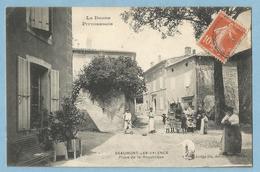 A076  CPA   BEAUMONT-LES-VALENCE  (Drôme)  Place De La République -  Animée   ++++++++ - Frankrijk