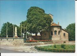 10x15   Mancieulles  Eglise Et MONUMENT AUX MORTS - Francia