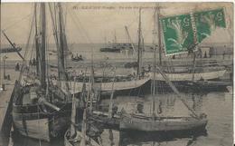 Carte Postale Ancienne De L'ile D'Yeu Un Coin De Quai Et La Rade - Ile D'Yeu