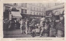VIENNE POITIERS LES MARCHANDS DE MARRONS SUR LA PLACE D ARMES - Poitiers