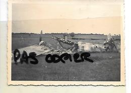 16 MOUTHIERS A CONFIRMER AVION ABATTU 1940 - Autres Communes