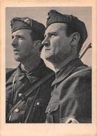 ¤¤  -   Guerre 1939-45   -  Deux Soldats Allemands En Uniformes     -  ¤¤ - Weltkrieg 1939-45