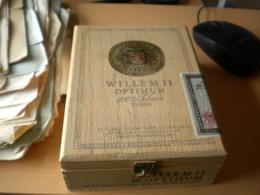 Old Wooden Box Willem II Optium 100% Tobacco Tubes  Made In Holland - Contenitori Di Tabacco (vuoti)
