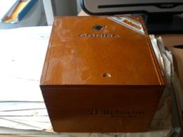 Old Wooden Box Cohiba Habanos  25 Robustos  Habana Cuba - Boites à Tabac Vides