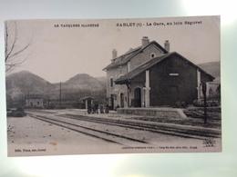 CPA 84 Vaucluse - Sablet - La Gare, Au Loin Séguret - N° 1 - France