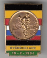 CYCLISME CHAMPIONNATS DU MONDE DE CYCLO-CROSS  1964 OVERBOELARE   INSIGNE DE POITRINE - Cyclisme