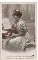 Tres Belle Femme Au Piano , Clavecin Partition - Musique Et Musiciens