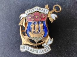 Dunkerque - Belle Et Rare Broche émaillée Groupement De La Batellerie. - Pin's