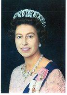 Cpm - H.M. The Queen -  Photographie De Peter Grugeon - - Femmes Célèbres