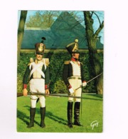 Hotel National Des Invalides.Miusée De L'armée.Uniformes Du 1er Empire.Major Et Voltigeur D'Infanterie De Ligne.(1813/15 - Uniformes