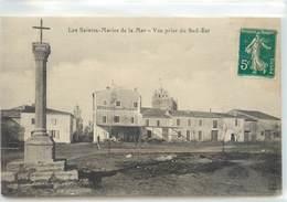 CPA 13 Bouches-du-Rhône Saintes Maries De La Mer Vue Prise Du Sud Est Grand Hotel De La Plage - Saintes Maries De La Mer