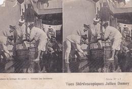 PENDANT LE LAVAGE DU PONT VUES STEREOSCOPIQUESS JULIEN DAMOY SERIE N.13 AUTENTICA 100% - Cartoline Stereoscopiche
