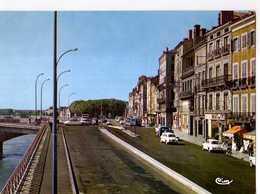71 MACON Carrefour Du Pont De St Laurent, Automobiles Dauphine - Macon