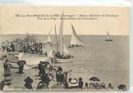 CPA 13 Bouches-du-Rhône Saintes Maries De La Mer Vue De La Plage Embarcations Des Promeneurs Bateaux Barques - Saintes Maries De La Mer