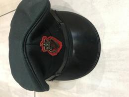 Modèle Ancien De Casquette De La Police Irlandaise Police Royale Officier 1978 - Casques & Coiffures
