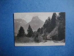 Route D'ANNECY à THONES  -  74  -   Le Tramway Et La Dent De Lanfon    -  Haute Savoie - Other Municipalities