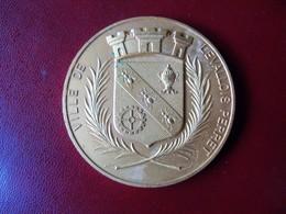 Ancienne Médaille De Table Bronze Ville De LEVALLOIS PERRET - Touristiques