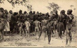 Sénégal - Jeunes Diolas Se Préparant Pour La Lutte - Senegal