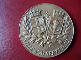 Ancienne Médaille De Table Bronze Ville De ALBERTVILLE 1978 - Touristiques