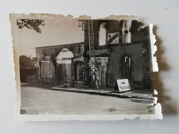 CERISAY /  PHOTOGRAPHIE / ROUTE DE POUZAUGE / GARAGE DENIS  1944 - Cerizay