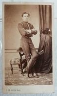 Ancienne Photo Format CDV Du XIXe Officier Cavalerie Française Officier DE BERNIS Par J. LE ROCH école Impériale SAUMUR - Photographs