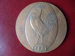 Ancienne Médaille De Table Fédération Francaise De Rugby 1984 - Zonder Classificatie