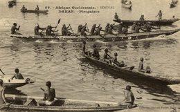 DAKAR  SENEGAL PIROGUIERS - Senegal