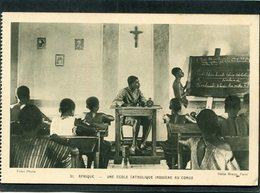 CPA - Une Ecole Catholique Indigène Au CONGO, Animé - Congo Français - Autres