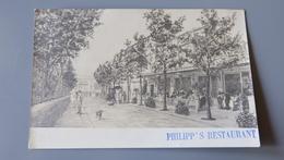 Carte Photo Philipp's Restaurant, Sur Une Vitrine Je Lis MONTE CARLO  .................... MN-2315 - Cartes Postales