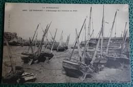 Cpa - (76) - Le Tréport - L'échouage Des Bateaux Au Port - Le Treport
