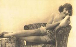PHOTO - Nu Romantica- Jeune Beautée En Tenue Légère-  Années 20.30 -  PAypal Free - Riproduzioni