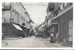 46 - ST-CERE - RUE DE LA REPUBLIQUE - Belle Amination - Saint-Céré