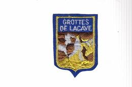 ECUSSON TISSU BRODE - GROTTES DE LACAVE - Ecussons Tissu