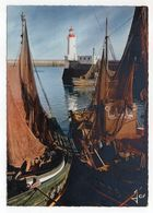 GUILVINEC--1969--Bateaux Séchant Leurs Filets Dans Le Port  ( Phare ) --timbre--cachet - Guilvinec